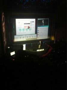 @josek_net Nicolás Moya de Bankinter presenta Coinc, iniciativa gamificada de Bankinter para fomentar el ahorro #gwc13 pic.twitter.com/dsaaH5Ogtf