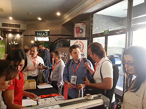 Omnium Games charla durante un receso con el gran @daverage